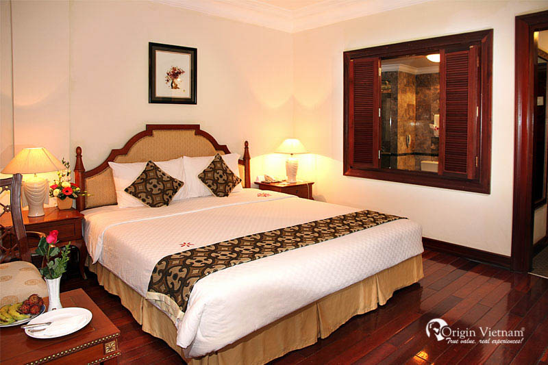A Room in SaiGon Morin