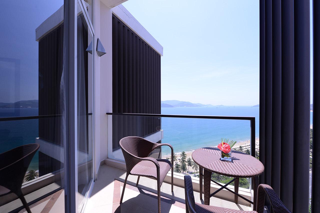 Novotel nha trang hotel origin vietnam for Balcony nha trang hotel
