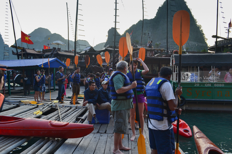 Prepare Kayak for customer in Halong