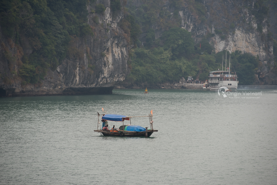 Fisherman boat halong bay