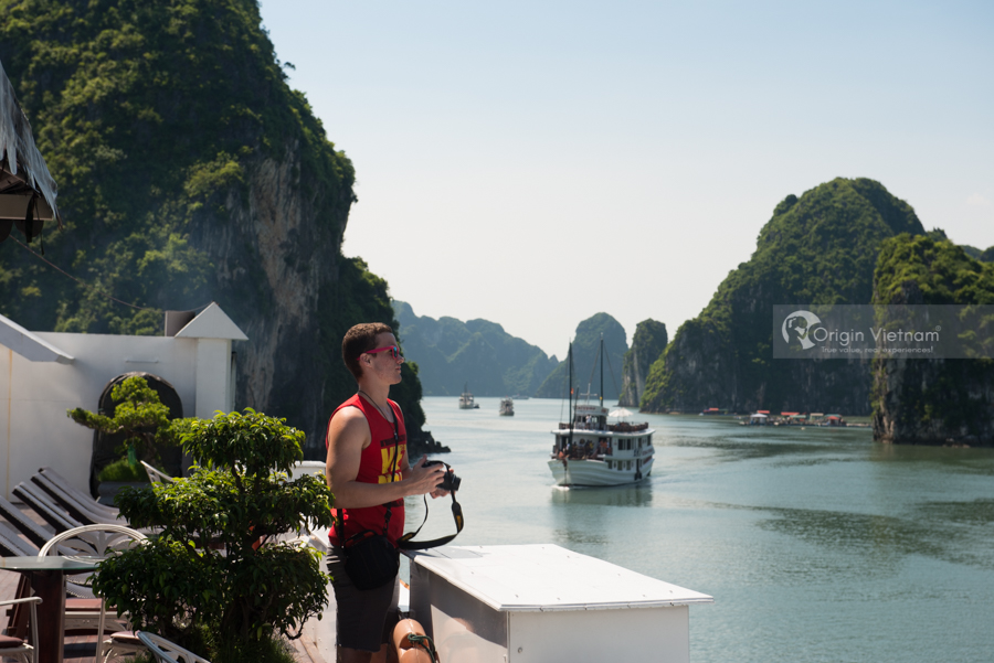 Visitor on Overnight Cruise Halong