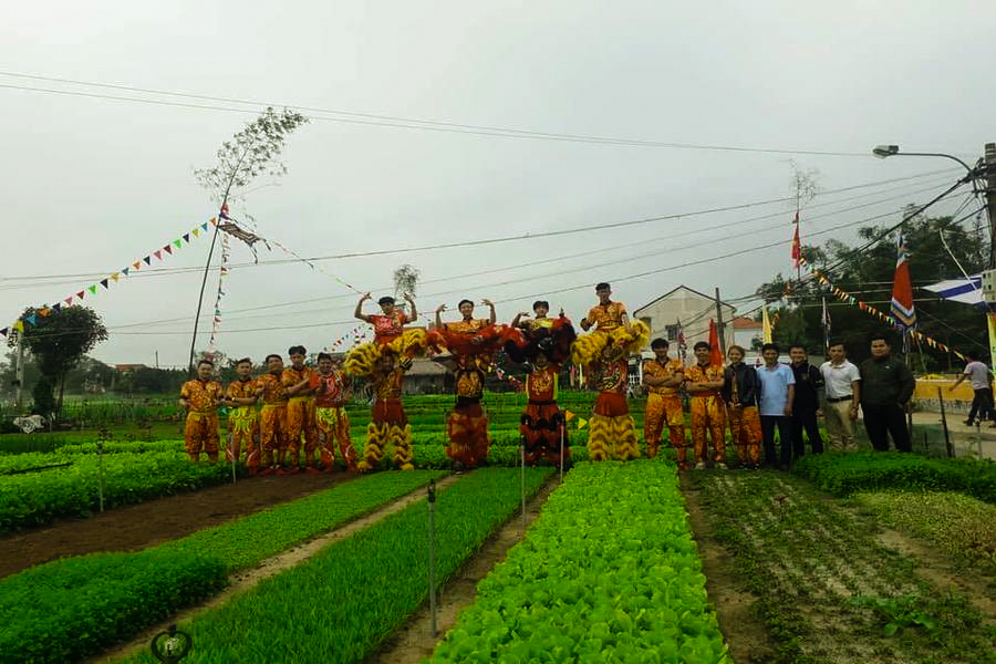 Cau Bong festival in Tra Que vegetable village