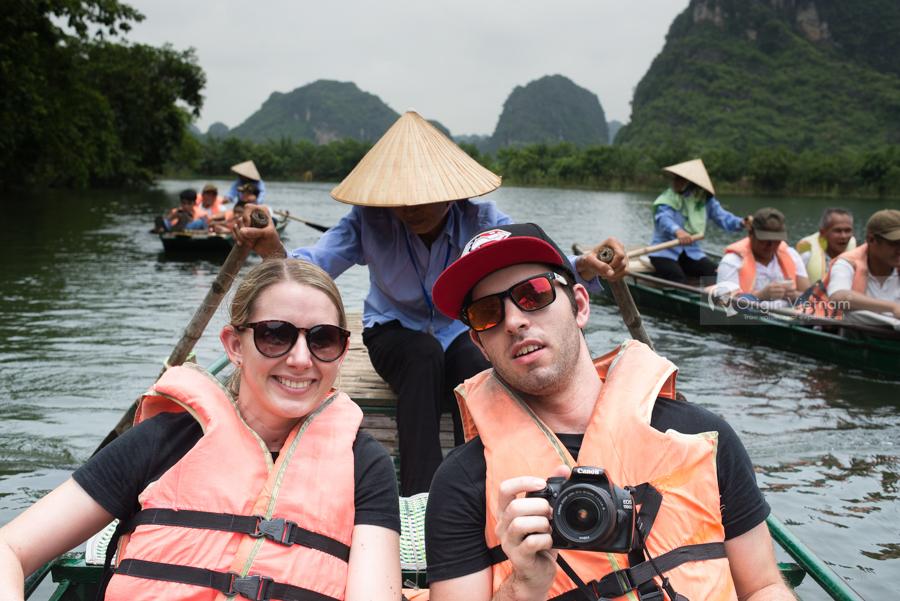 Happy customer on Trang an tour