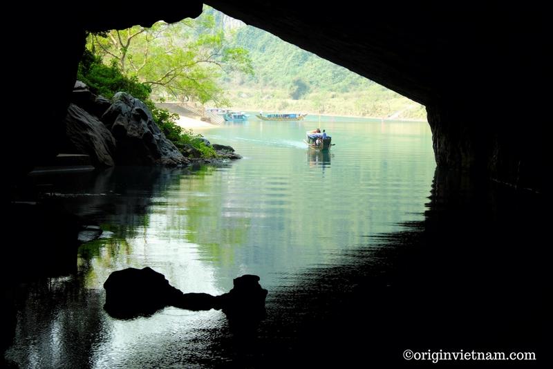 Dark cave | Vietnam cave tour 4 days 3 nights