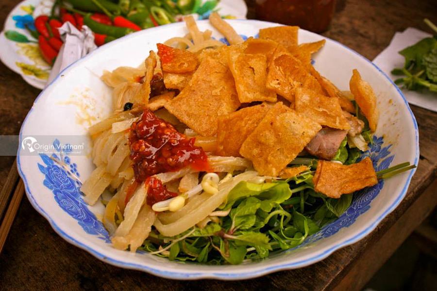 Cao Lau in Hoi An
