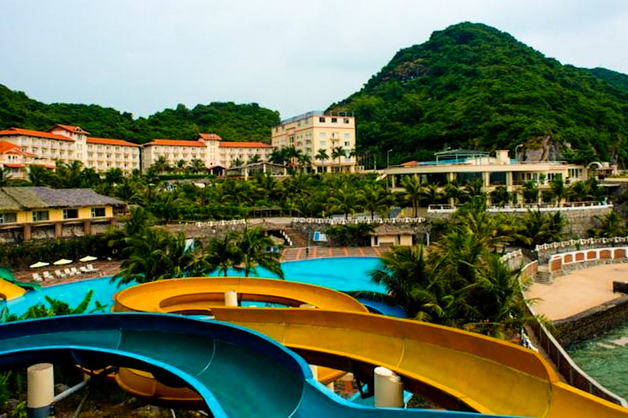 Water park in Cat Ba island