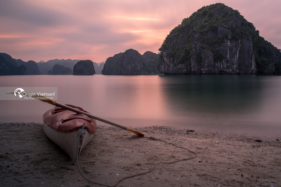 The beach in Halong Bay