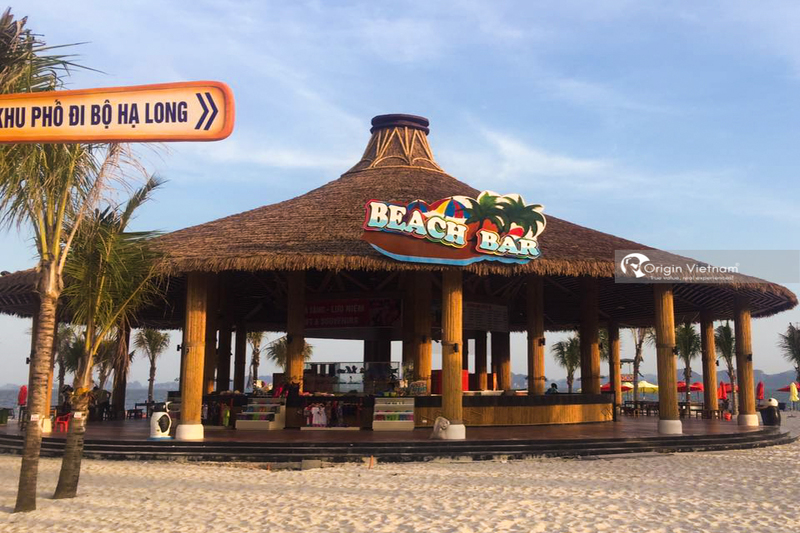 Bai Chay Beach Bar