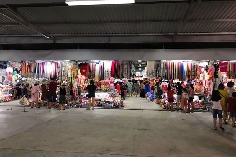 Night Market in Halong
