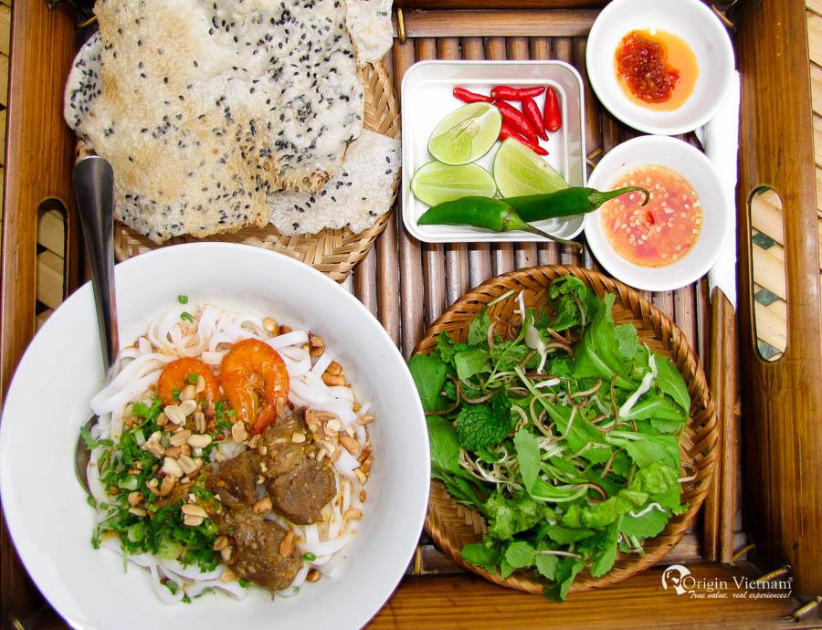 My Quang (Quang noodle)