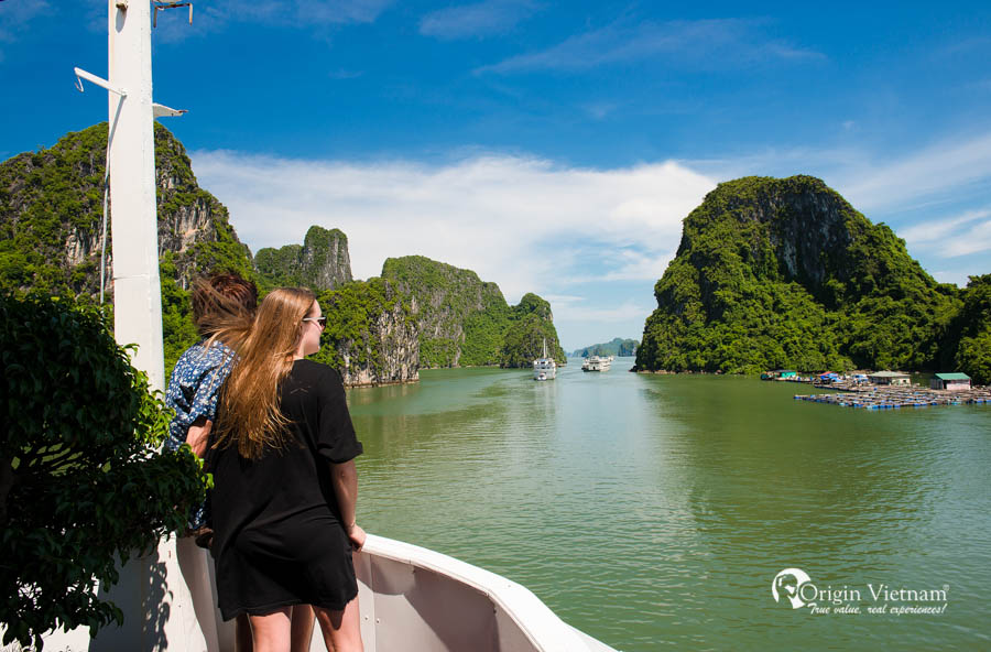 More cruise the beauty of Halong Bay with Aclass Legend Cruise