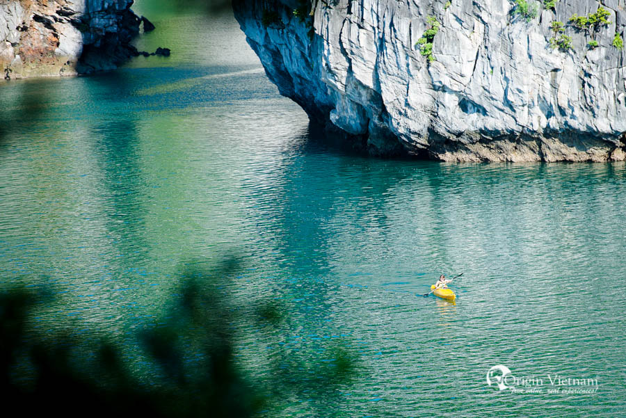 View from thien canh son cave | kayaking bai tu long bay