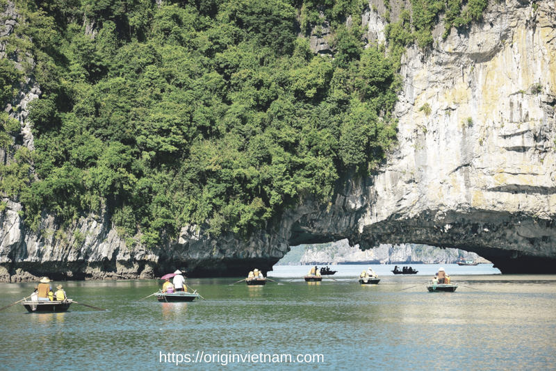 Visit floating village in Halong Bay