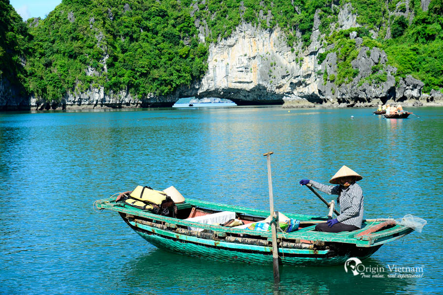 Visit Vung vieng village in Bai Tu Long Bay - Victory Cruise Halong