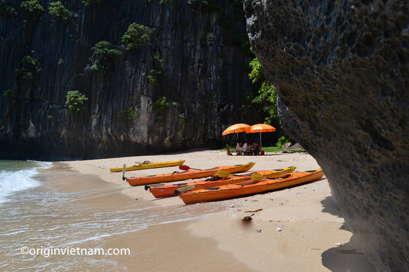 BBQ on a private beach on Lan Ha Bay