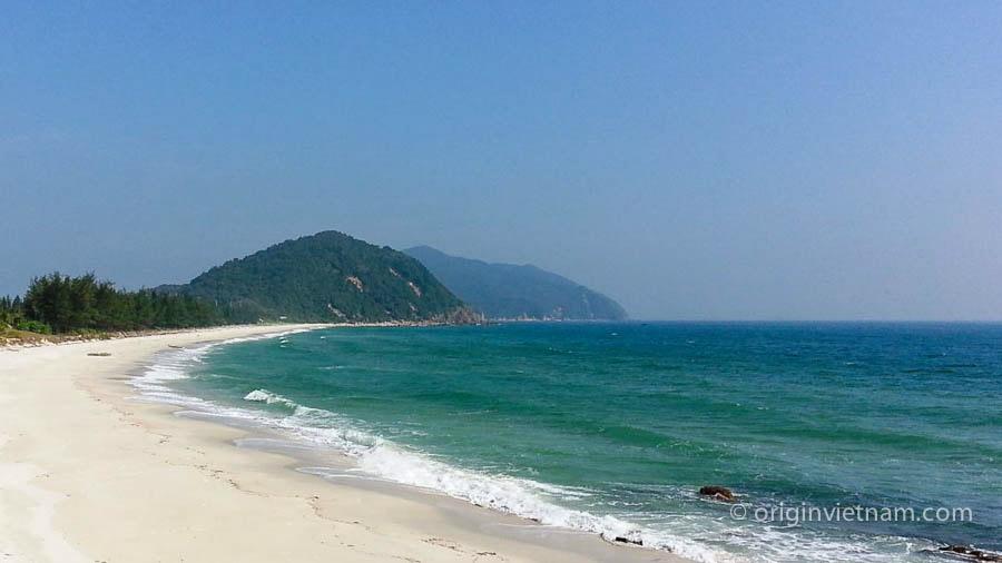 Minh chau beach - Halogn Bay
