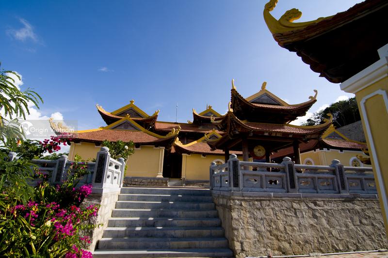 Nui Mot pagoda