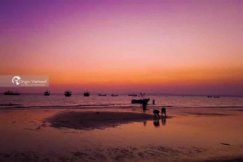 The sunrise at Long Hai beach