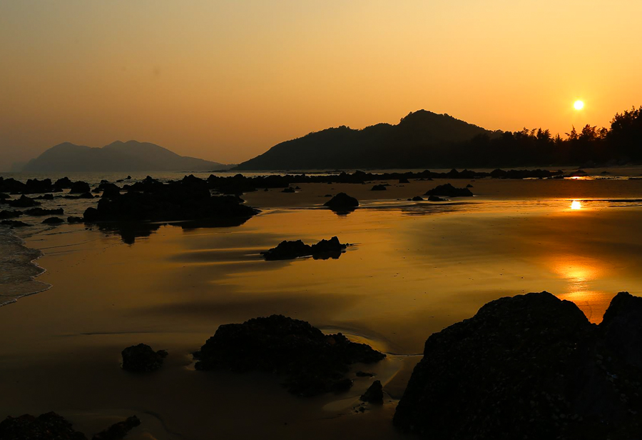 Image of Sunset in Quan Lan island