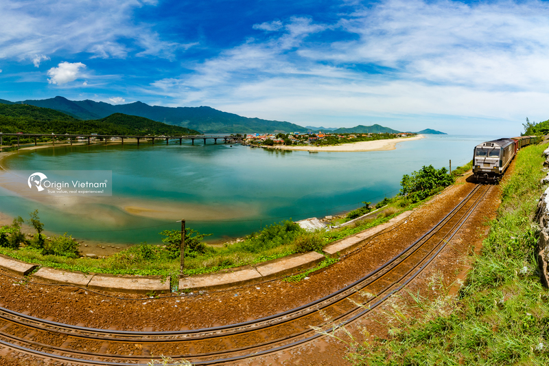 Da Nang travel on the railway which leads along the coastline mountains