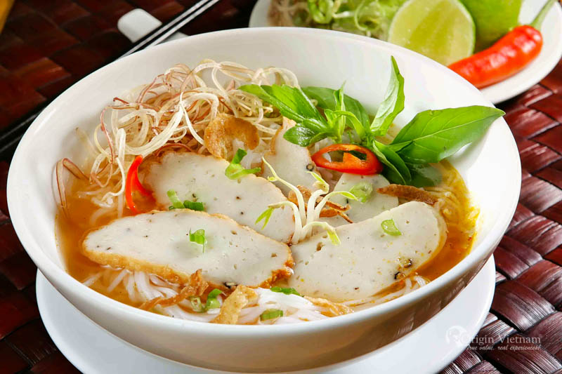 Banh Canh - The special food you must try when visit Danang