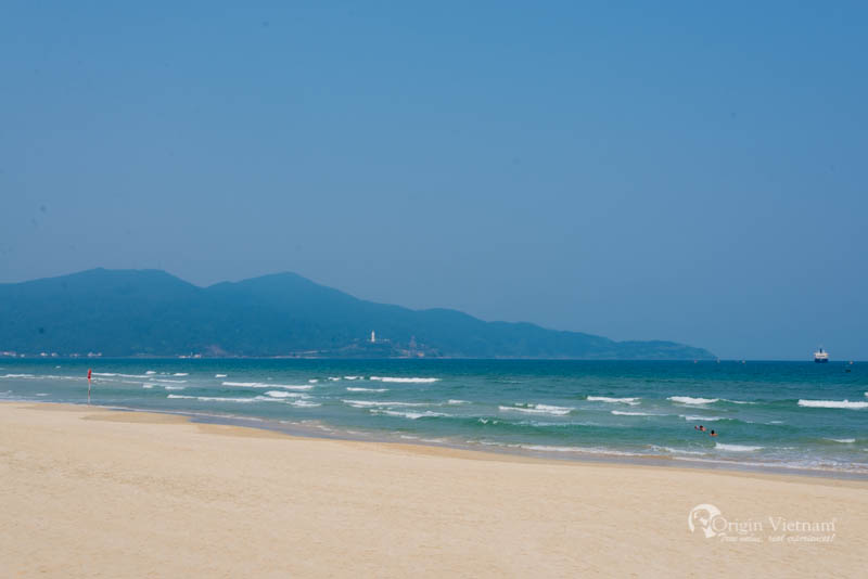 Non Nuoc Beach in Danang takes up 5 kilometres of Hoa Hai Ward's shoreline