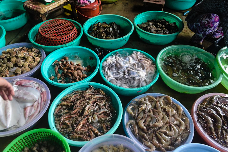 Tips for safe dining of seafood in Halong