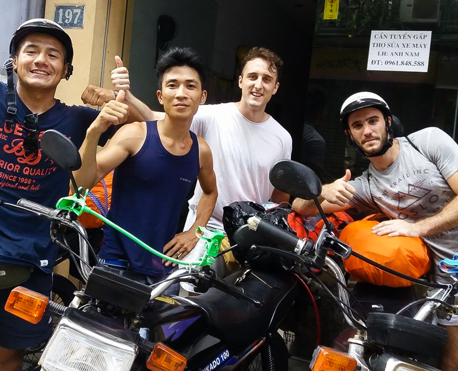 travel by motorbike Hanoi - Halong