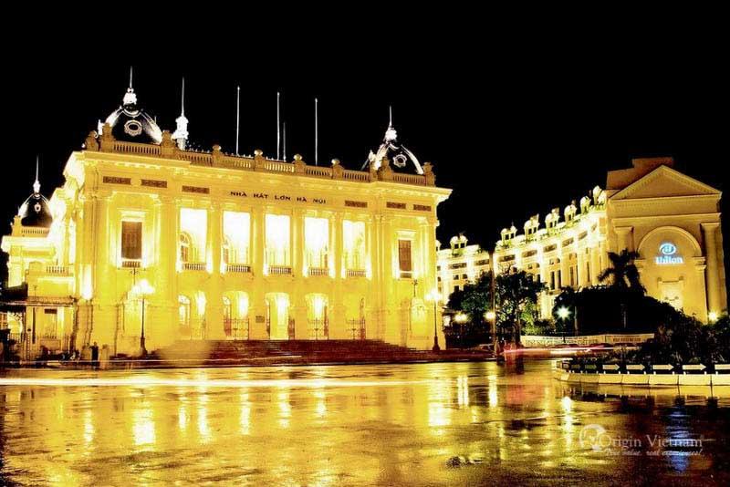 Nightlife in Hanoi - Hanoi opera house in the evening
