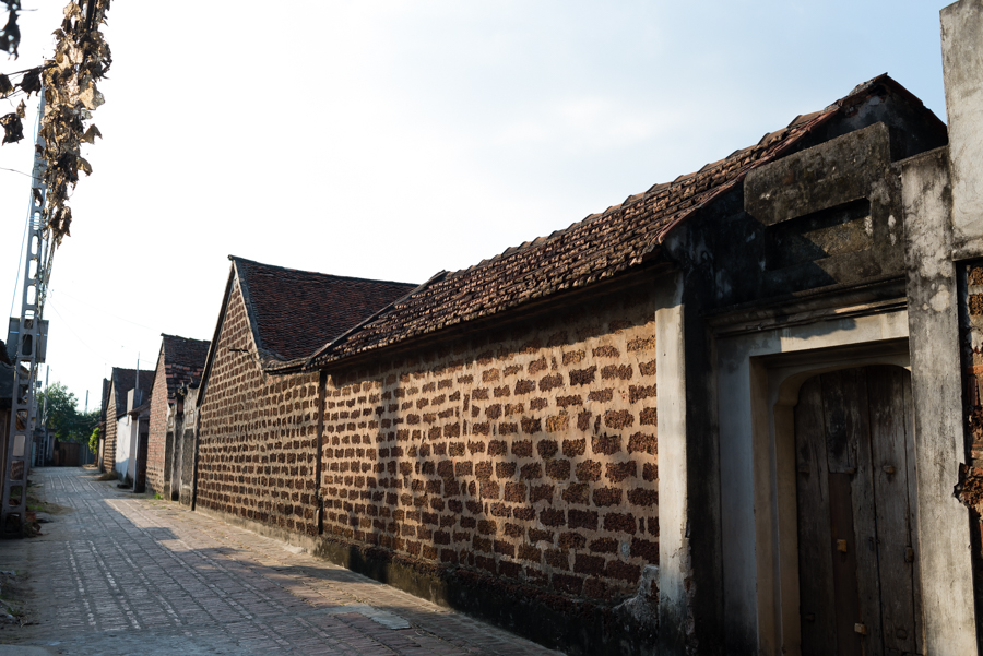 Alley at Duong Lam Ancient Village