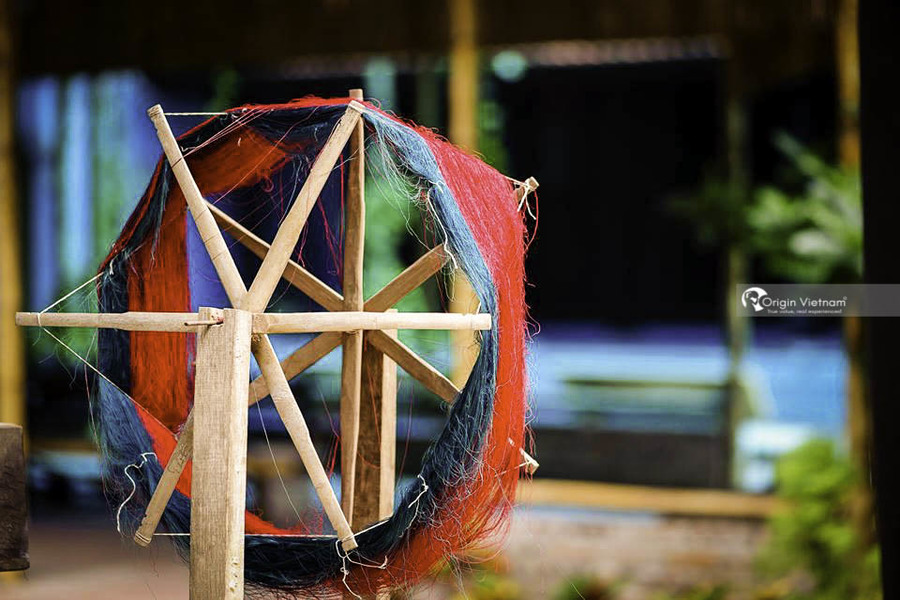 Van Phuc – Hanoi handicraft village with Silk Weaving