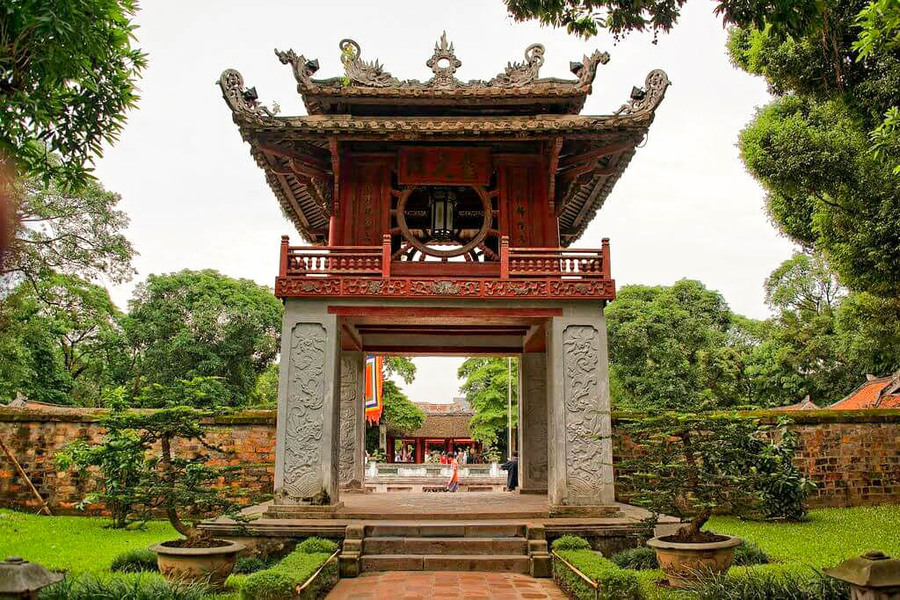 The first best sightseeing places in Hanoi - Temple of Literature