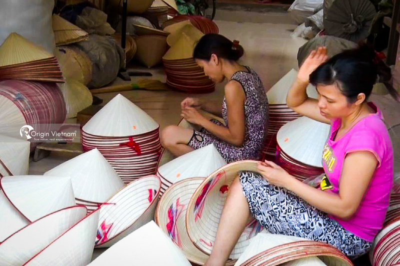 Making conical hat at Chuong Village