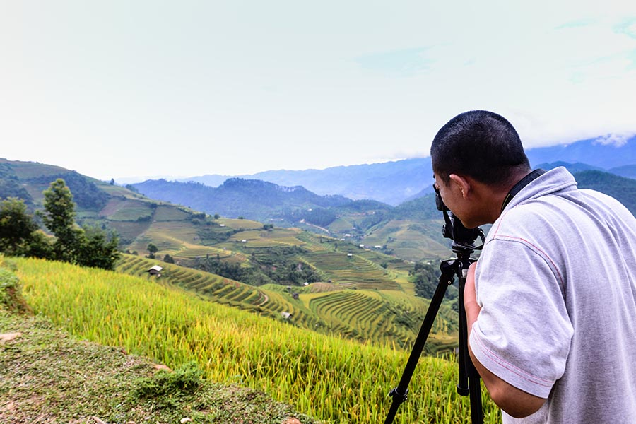 Photographer on Khau Pha Pass