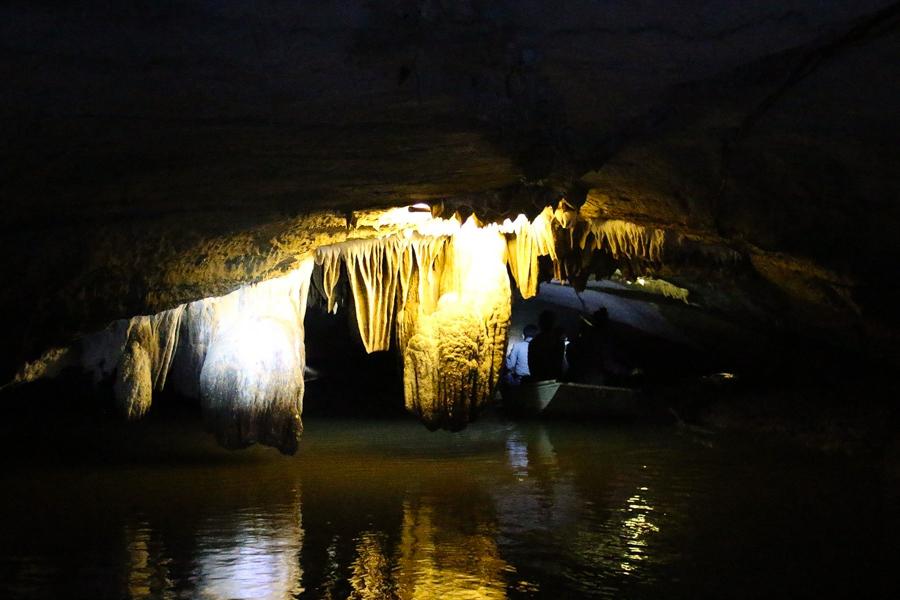 Thien Ha Cave