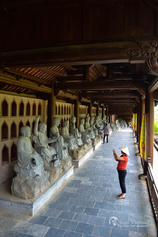 Visit bai dinh pagoda