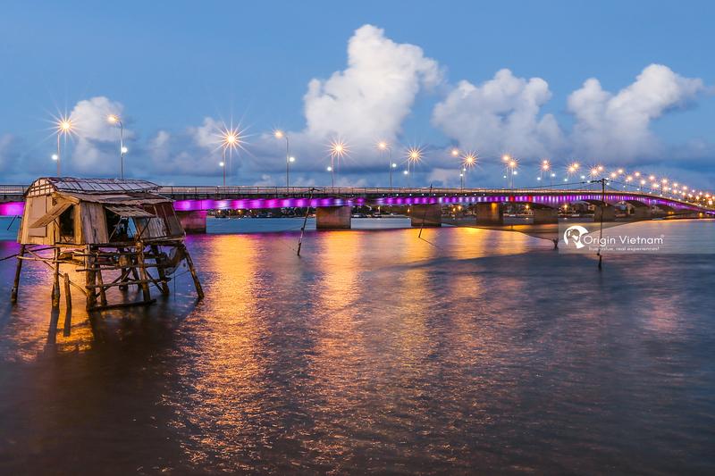 Nhat Le bridge lead in Bao Ninh