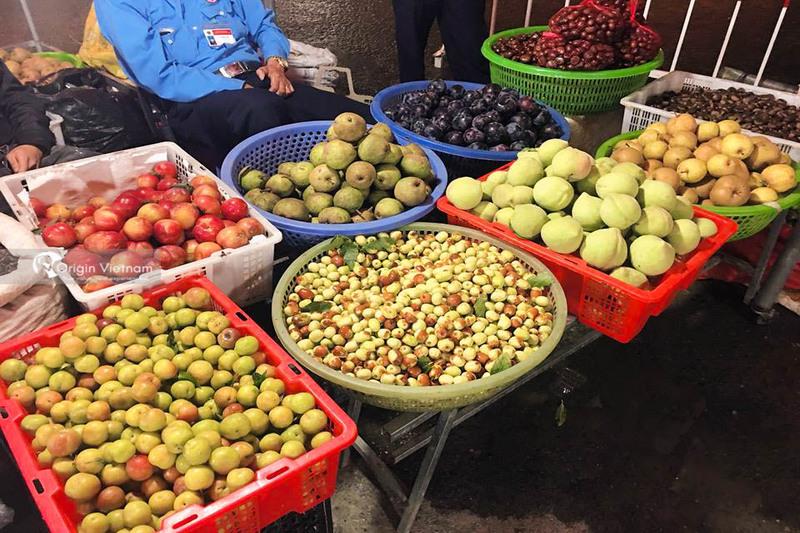 Night market in Sapa